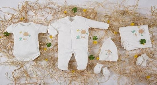 Organic cotton and natural pure cotton new born baby set. Hospital set, baby shower set. Our policy is health and safety of our production.