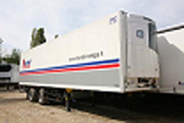 Semirimorchio furgone isotermico da 11.05 metri