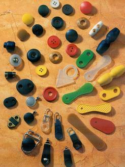 Produzione Bottoni e Accessori per Abbigliamento