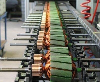 Motorenbau  Gerätemontage