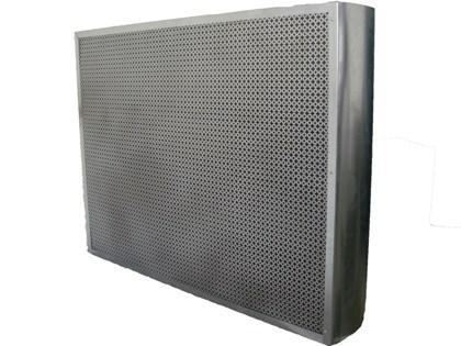 Ref: 330/331 Le baffle est utilisé pour le traitement du niveau sonore des les réseaux de ventilation. •Epaisseurs standard de baffle 100 et 200 mm. •Dimensions (L et H) de 300 à 2400 mm.
