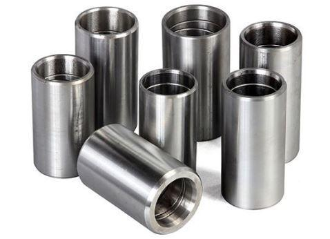 Produzione dadi metallici,