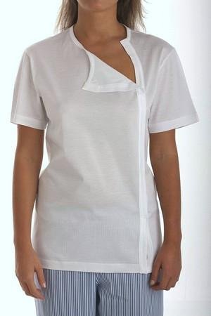 T-shirt, with short sleeve, in pure mercerized cotton jersey opened with velcro on the heart side. It is a model ideal for patients who have had thorax operations.