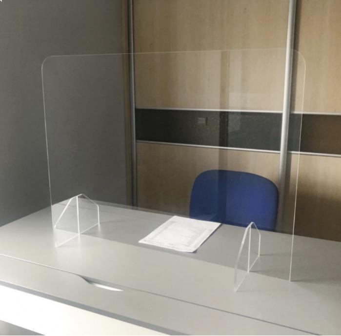 Panneaux de protection de bureau Plexiglass.