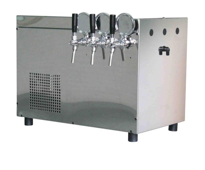 Top Maxi Up is an above-sink refrigerator for meeting the needs of  restaurants and  bars; ice banc refrigeration system,the unit is equipped with three levers for water dispensing; 