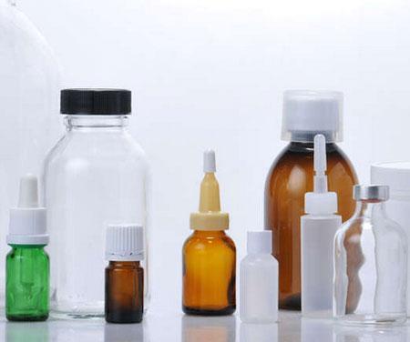 Flacons en verre et des flacons en plastique pour l'industrie pharmaceutique