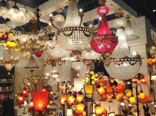 Création Tief : fabricant lustres en pâte de verre, appliques en pâte de verre et lampadaires en pâte de verre, export lampes en pâte de verre, export lampes déco. Tel. : + (33) (0)2 35 93 47 20.