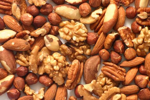 Nüsse und Kerne