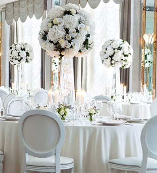 Medaillon blanche et centre de table vase martini Paris