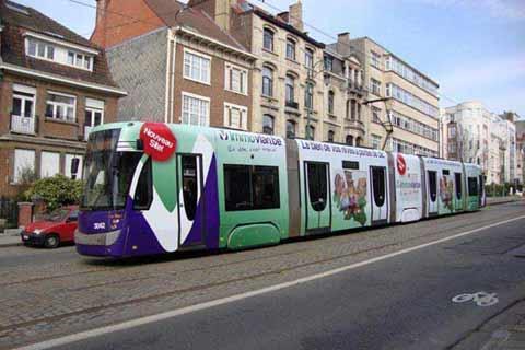 Habillage et lettrage de tram