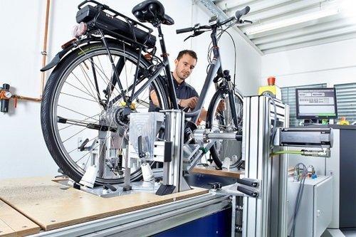 Pedelecs und E-Bikes - Prüfung