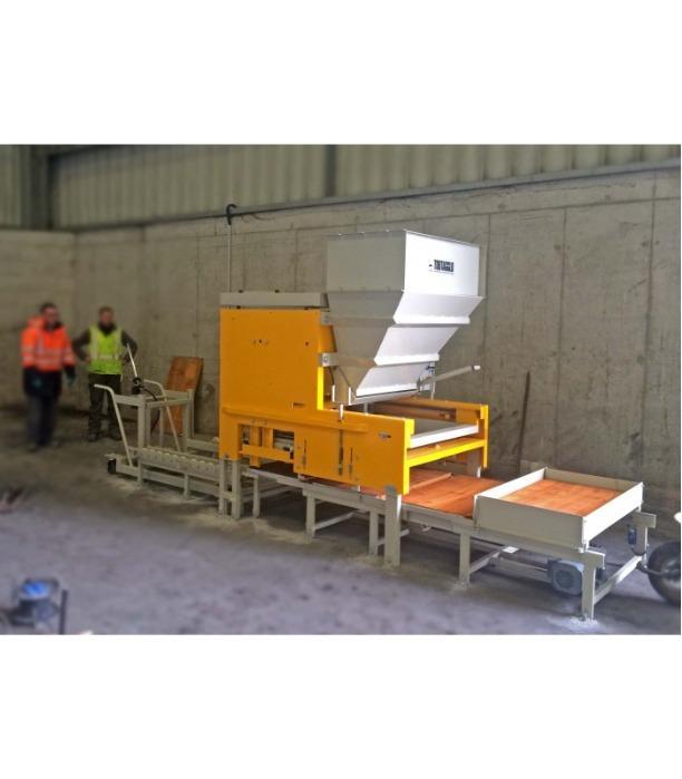Ligne semi-automatique pour la fabrication de produits en béton
