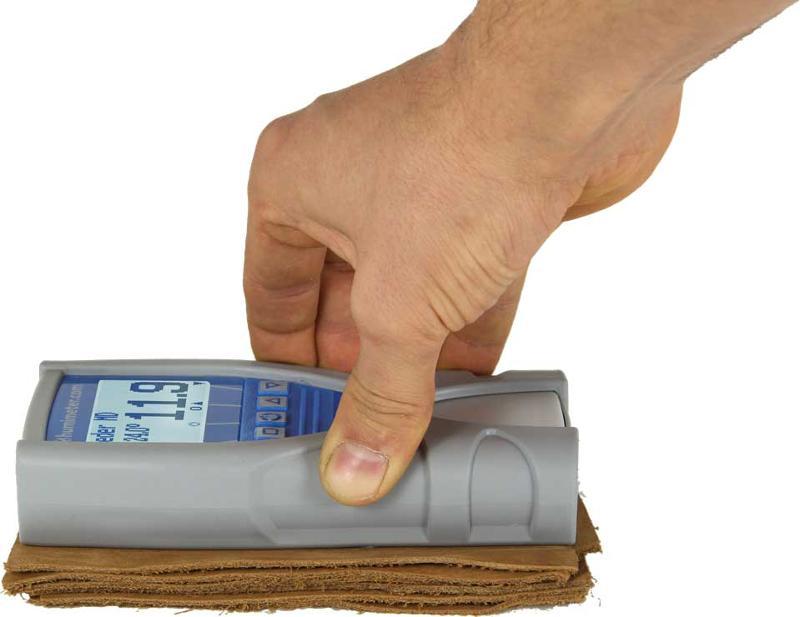 Das LM6 Leder Feuchtemessgerät ist ein Handmessgerät, um zerstörungsfrei den Wassergehalt zu messen. Es eignet sich hervorragend für die Lederindustrie für alle Lederarten und Feuchtigkeitsgrade.