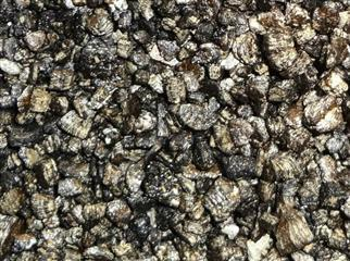 Bituminised vermiculite