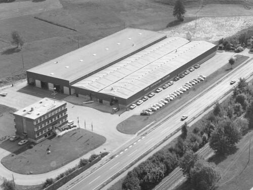 Firmengebäude 1974