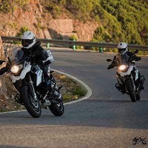 En Alpamoto somos unos grandes apasionados de los viajes y de las dos ruedas. Como en toda aventura ¡no son los Kms recorridos si no los momentos vividos!