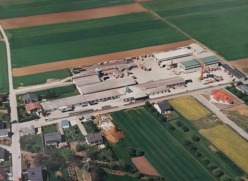 Firmensitz und Produktion 1996