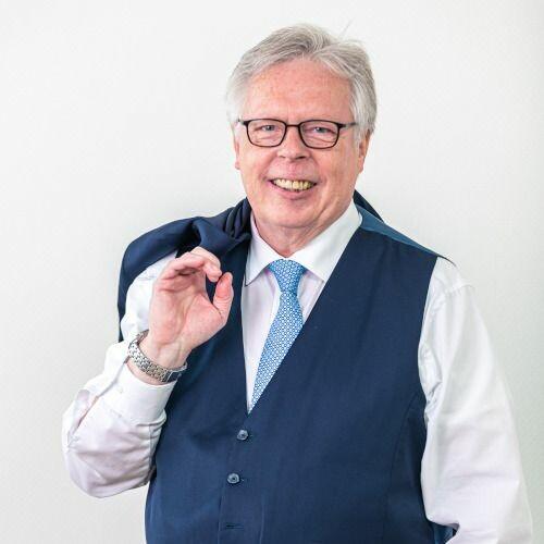 Uwe Redmer,Berater