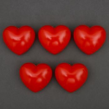 Kunststoff-Herzen