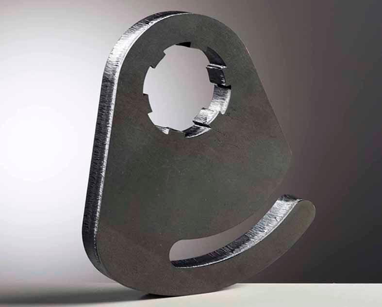 Pièce en acier d'épaisseur 20 mm découpée au laser (6 kw).