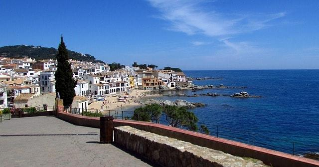 Internship abroad in Spain  ! Let's have an experience abroad.