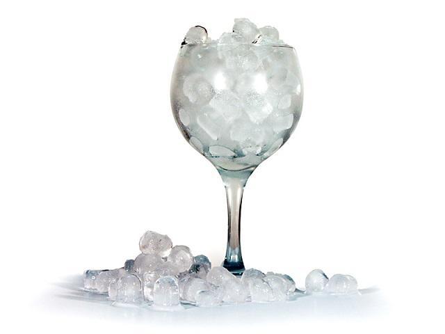 Criado com a finalidade de obter um melhor resultado na confeção de cocktails a partir de gelo moído.