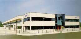 Azienda che opera nel settore costruzione stampi e trasformazione termoplastici.