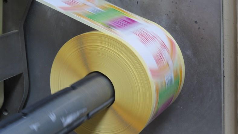 Creazione e stampa a modulo continuo adesivo by Caso etichette Vigevano