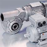 Das Sortiment enthält Gleichstrommotoren, Drehstrommotoren, mit Stirnradgetrieben, Kegelradgetrieben, Schneckengetrieben sowie Spindelhubgetriebe, Frequenzumrichter und Regelgeräte (Motorcontroller).