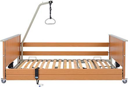 aks-D4 low entry bietet eine Ein- und Ausstiegshöhe schon ab 22 cm, es ist optional mit Fußtieflagerung mit Metallgitter- oder Holzfederleisten-Liegefläche erhältlich und inklusive Aufrichter.