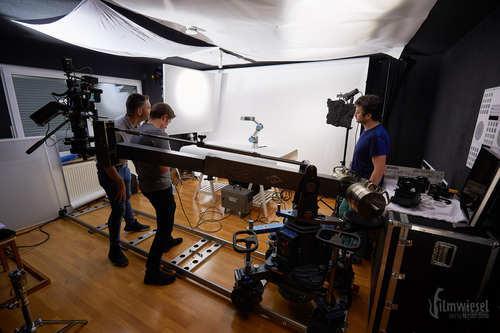 Dreh eines Roboters im Filmwiesel Studio