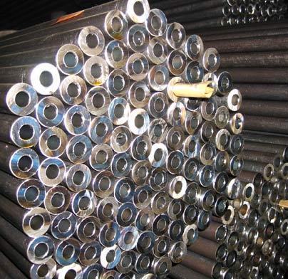 Stahlrohre und -röhren