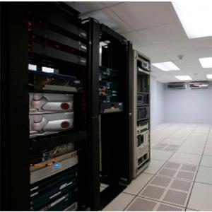 Partiendo de las necesidades de nuestros clientes, diseñamos centros de procesamiento de datos que ofrecen escalabilidad y facilidad para su gestión, consiguiendo condiciones óptimas de climatización,