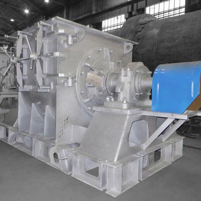 Tangential hammer mill