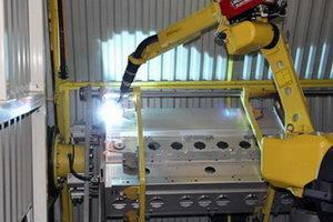 Robotic cell for welding thin stainless steel