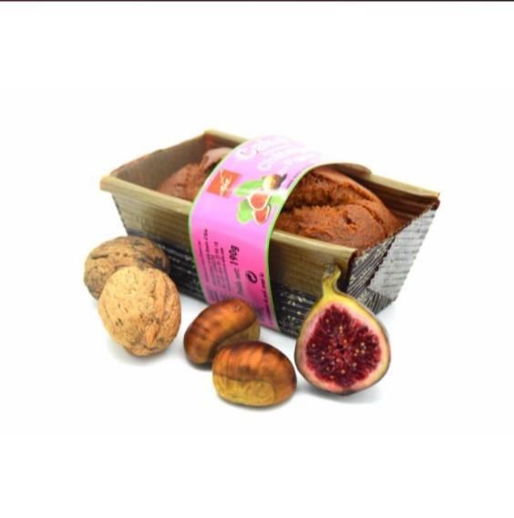 Cake à la farine de châtaignes et aux figues et noix