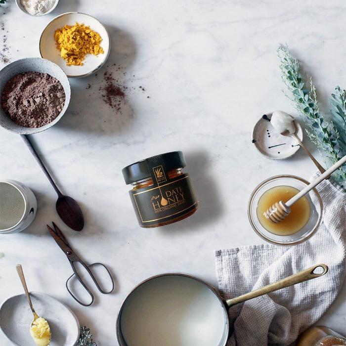 """Miel de dattes fabriqué à partir de dattes """"deglet nour"""" 100% naturelles"""