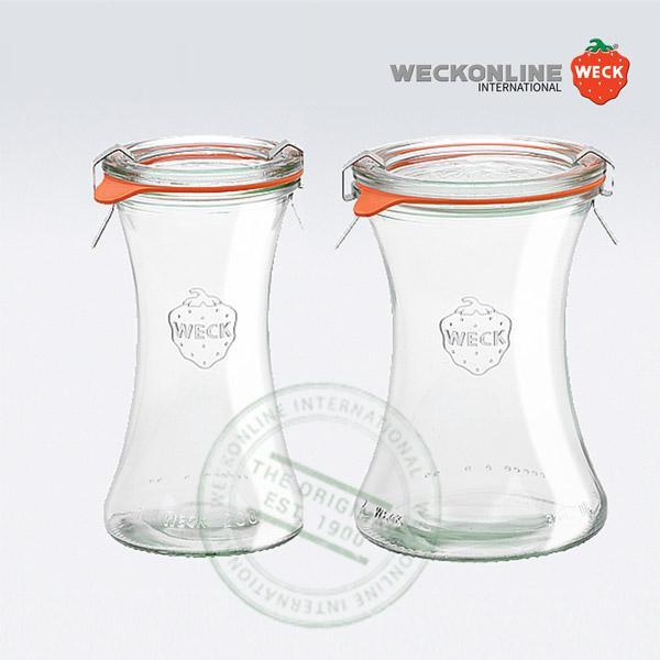 Les nouveaux bocaux de la gamme Weck, Bobines, se déclinent en deux modèles de 200 ml et 370 ml. Leur magnifique forme d e bobine ou encore de sablier, est parfaite pour sublimer vos conserves, telles