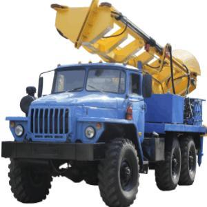 MBSH- perforadoras de mástil reforzado que se transportan a base de camiones. Elevación máxima del gancho- 8 metros. Capacidad de levantamiento-2000kg. Sondeos de hasta 50m. Par motor-14000 Н*м