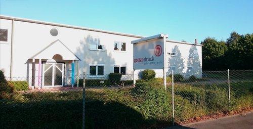 Firmengebäude, 2000qm Maschinenpark