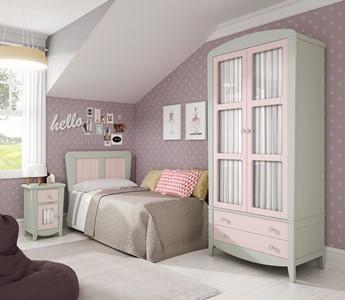 Dormitorio juvenil en madera natural con diseño original y calidad en materiales.