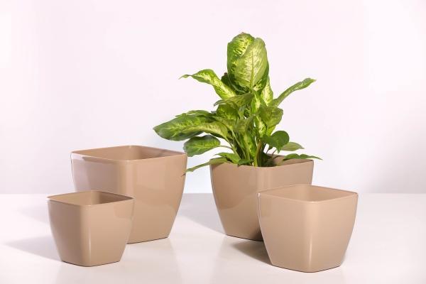 Plastic flowerpots sizes 14x14,16x16x,18x18,20x20