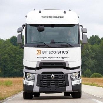Wir realisieren internationalen Straßentransport den Sattelzüge mit Auflieger  (Tautliner, Plane) und Leichttransport mit Wagen mit zGM bis 3,5T mit dem Aufbau- 10 und 12 EP Plane im ganzen Europa.