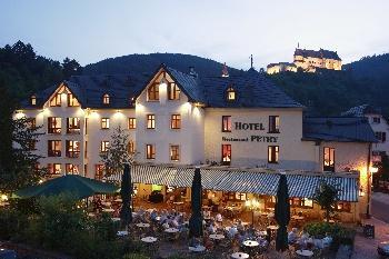 Ook voor korte reizen hebben wij mooie bestemmingen. Hotel Petry (foto) en hotel Bellevue in Vianden zijn zeer comfortabele hotels voor een lang weekeinde of een midweek.