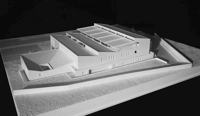 Architecte : MULTIPLE ARCHITECTURE & URBANISME.Projet : École de formation en hôtellerie – Managua (Nicaragua) Matériaux : bois et polystyrène peint en blanc.E. : 1/100 Dim. : 55 X 55 cm
