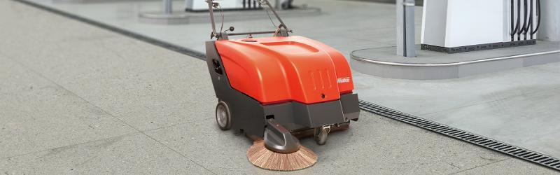 Sweepmaster 800 - Walk-behind vacuum sweeper for small to medium-sized areas