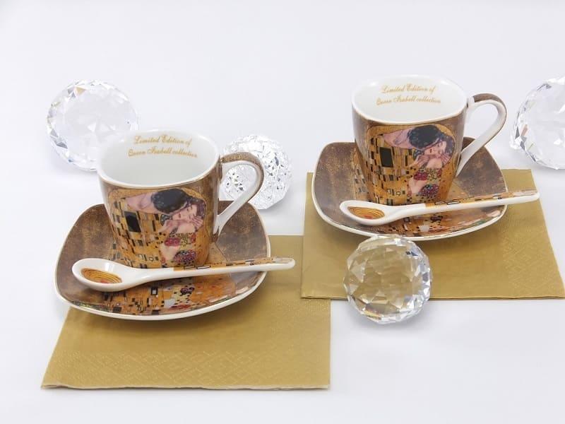 Gustav Klimt - Espressotassen mit Porzellanlöffel- Der Kuss