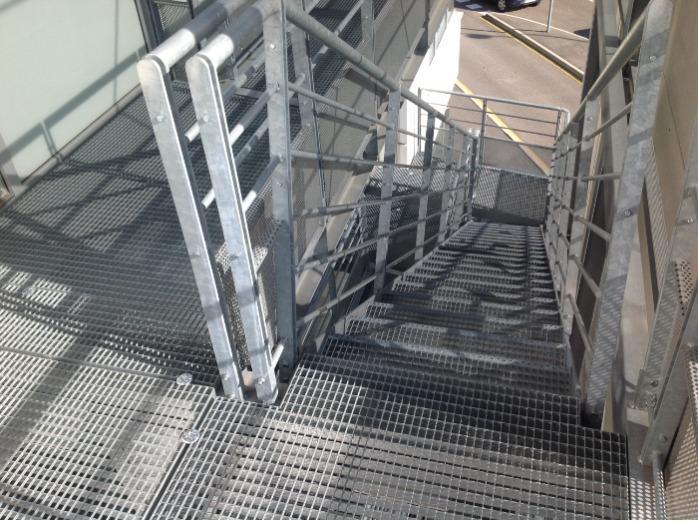 Marches d'escaliers  - Pour escalier droit ou balancé
