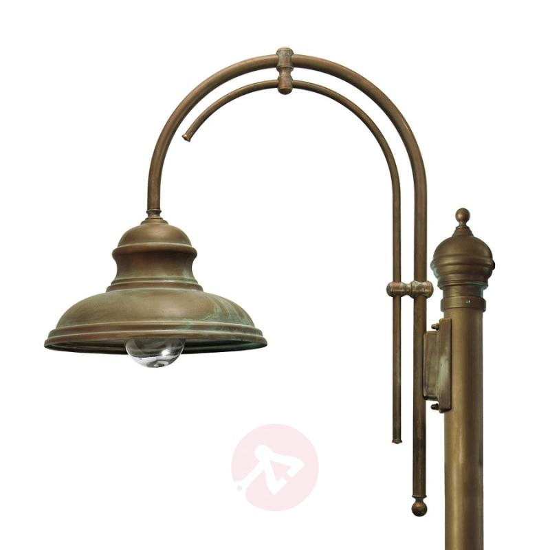 Romantic LUCA post light, 1-bulb - design-hotel-lighting