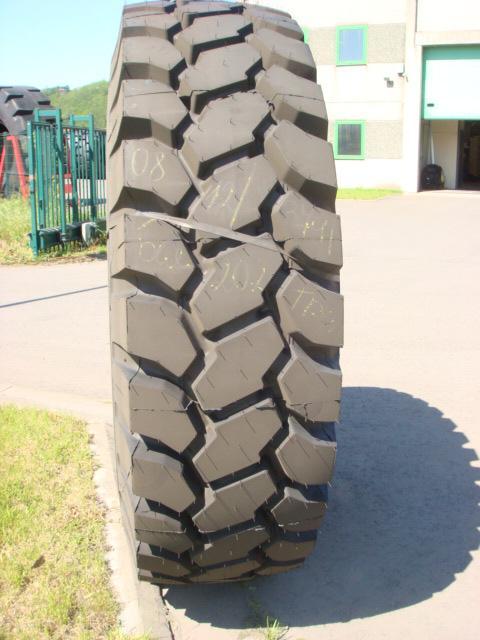 Truck tyres - REF. 2400R35.BEL.202